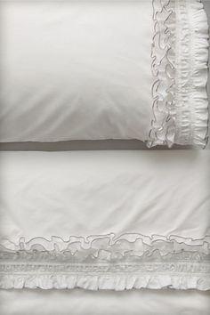 Ruffled Sheet Set in White
