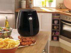 ¡Philips Airfryer reduce el exceso de grasa de tu dieta! Tecnología Rapid Air para un resultado perfecto La tecnología Rapid Air patentada de la airfryer de Philips te permite hacer las patatas fritas más sabrosas con hasta un 80% menos de grasa. Disfruta de deliciosas patatas fritas, aperitivos y comidas de forma sana con esta freidora. Emite menos olor y es fácil de limpiar.  ¡¡Oferta y portes Gratis!! 149,98 €