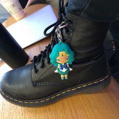Sailor Neptune has seen better days. How are you using your new #Figural Sailor Moon #keychains? They sure get dirty! #sailormoon #セーラームーン #美少女戦士セーラームー #michirukaioh #sailorneptune #bishoujosenshisailormoon #sailorscouts #sailormoonfigures #monogram #sailormoontoys #sailormooncollectibles #sailormoonfan #moonie #moonies #sailormooncrystal #sailormoon20th #boots #sailormoonmerchandise #sailormoonfans #prettyguardiansailormoon  #sailormoonmerch #sailormoon20thanniversary…
