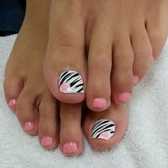 40 toe nail art designs to keep up with trends 014 Pretty Pedicures, Pretty Toe Nails, Cute Toe Nails, Fancy Nails, Pink Nails, Zebra Nails, Toe Nail Color, Toe Nail Art, Toenail Art Designs