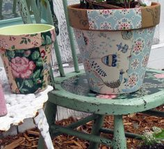 Mitzi's Collectibles Blog: Another Vintage Wallpaper Decoupage Post! Collage Clay Pots