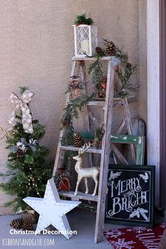 Top Rustic Outdoor Christmas Decorations - Christmas Celebration - All about Christmas - 40 Rustic Outdoor Christmas Décor Ideas Christmas Celebrations - Noel Christmas, Christmas Design, Christmas Lights, Vintage Christmas, Vintage Winter, Christmas Cactus, Home For Christmas, Beautiful Christmas, Ladder Christmas Tree