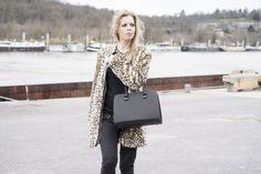citybag - zonedachat.com Look Rock, Fashion, Bag, Moda, Fashion Styles, Fashion Illustrations