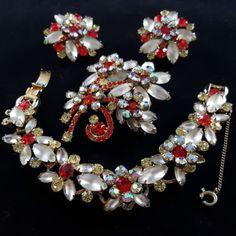 JULIANA-BOOK-PIECE-Vtg-Bracelet-Brooch-Pin-Earring-SET-Red-Yellow-Flower-R510