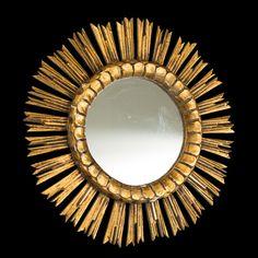 Espelho de meados do sec.20th, em madeira gilded a ouro, 51cm de diametro, 2,550 USD / 2,280 EUROS / 9,370 REAIS / 16,580 CHINESE YUAN soulcariocantiques.tictail.com