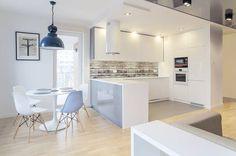 Cucina in stile in stile Scandinavo di DK architektura wnętrz