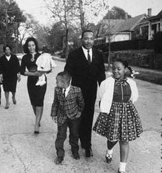 Whatever your life's work is, do it well… Martin Luther King Jr. Martin Luther King Family, Coretta Scott King, Civil Rights Leaders, I Have A Dream, People Of The World, African American History, Black History, Beautiful People, Fotografia