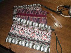Bolsos de mano, asa corta, tejidos de moda estampados étnicos.