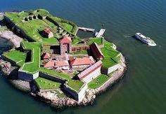 Top 10 places to visit in Gothenburg, Sweden. Peles Castle, Castle Ruins, Stockholm, Wonderful Places, Beautiful Places, Star Fort, Places To Travel, Places To Visit, Visit Sweden