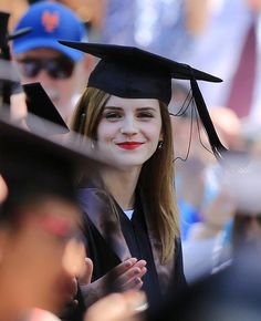 Happy Graduation, @Emma Zangs Watson. pic.twitter.com/C2qHUTpGLg