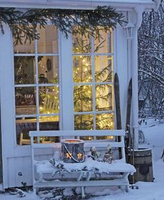 It's a beautiful world Cottage Christmas, Noel Christmas, Outdoor Christmas, All Things Christmas, Winter Christmas, Christmas Scenes, Vibeke Design, Winter Magic, Winter Pictures