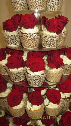 Inspiration: Red rose cupcakes add dramatic flair to a wedding reception, bridal shower or birthday dinner. Delectables by Holly can custom create the cupcake tower of your dreams! Beauty And Beast Wedding, Beauty And The Beast Party, Beauty And The Beast Cupcakes, Cupcake Tower Wedding, Wedding Cupcakes, Gold Cupcakes, Valentine Cupcakes, Pretty Cupcakes, Beautiful Cupcakes