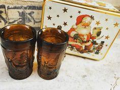 70'lerden  geyik desneli, tatlı bardaklar! Yılbaşı ruhuna birebir =) #xmas #christmas #vintage #retro #glass #old #istanbul #antique 70s vintage xmas glasses, great for a cup of milk!