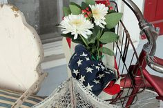Old Bicycle Basket by Raised In Cotton, via Flickr