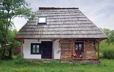 Case tradiționale în Breb Bucharest Romania, Traditional House, Shed, Outdoor Structures, House Styles, Places, Outdoor Decor, Home Decor, Pens