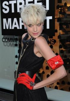Agyness Deyn. used to be obessed with this fashion model in highschool along with Jessica Stam and Liya Kebede