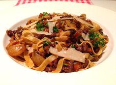 Pasta con Ragu all'Anatra is een heerlijk culinair pasta recept met als hoofdrolspeler 'De Eend'. Probeer dit recept zelf en bekijk alle informatie hier!