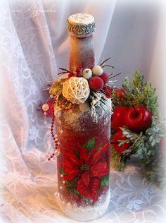 Новогодний декор, декупаж бутылок Wine Bottle Glasses, Old Wine Bottles, Recycled Wine Bottles, Christmas Wine Bottles, Wine Bottle Art, Painted Wine Bottles, Diy Bottle, Wine Bottle Crafts, Wine Corks