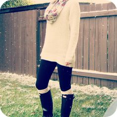 Sweater, tights and Hunter Boots. My #Fall #Autumn Staple. #HunterBoots