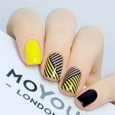 Yellow Nail art and Manicure - 30 beautiful ideas - Nail art designs & diy Yellow Nails Design, Yellow Nail Art, Love Nails, My Nails, Nail Art Vernis, Modern Nails, Pretty Nail Art, Stamping Nail Art, Creative Nails