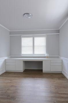 Built in desk Built In Furniture, Built In Desk, Walk In Closet, Home Office, Corner Desk, Rooms, Building, House, Home Decor
