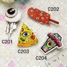 Nueva llegada 2014 acrílico HARAJUKU broches HARAJUKU insignia NADIA / KATI cyeball helado de crema de pizza broche Clip bufanda