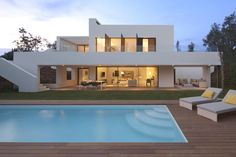 Luxury Spanish Villa 10 Holiday Home Inspiration: White Villa at PGA Catalunya Resort Luxury Home Decor, Luxury Homes, Luxury Life, Modern House Design, Home Fashion, Exterior Design, Beautiful Homes, Architecture Design, House Ideas