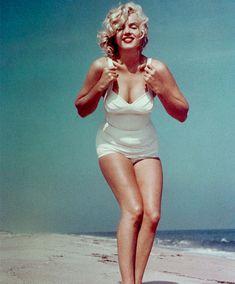 Marilyn monroe hampton beach, norma jean, hollywood glamour, old hollywood, classic hollywood Style Marilyn Monroe, Fotos Marilyn Monroe, Marylin Monroe Body, Brigitte Bardot, Hollywood Glamour, Old Hollywood, Classic Hollywood, Pin Up, Hampton Beach