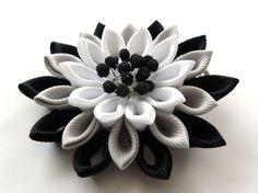 Kanzashi fabric flower hair clip. Black grey and white. от JuLVa