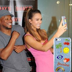 Jessica Alba with her MInnie and Emma phone case