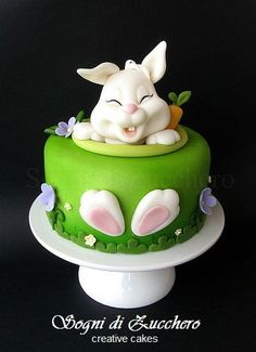 Easter Bunny Cake ideas are here. Easter desserts should be surprising & here are the best Easter Bunny Cake Pattern, pictures, recipes & ideas. Fancy Cakes, Cute Cakes, Pretty Cakes, Easter Bunny Cake, Easter Treats, Easter Cake Easy, Bunny Birthday, Birthday Cake, Easter Food