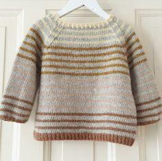 Ravelry: Striped Lama (ENG) pattern by PixenDk Boys Knitting Patterns Free, Baby Sweater Knitting Pattern, Baby Sweater Patterns, Knit Baby Sweaters, Knitting For Kids, Knitting Designs, Baby Knits, Pullover Sweaters, Pull Jacquard