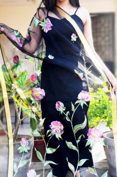 Buy Black Organza Floral Hand Painted Stole - Best Stoles Online in India Indian Fashion, Love Fashion, Girl Fashion, Indian Designer Suits, Designer Kurtis, Saree Painting Designs, Hand Painted Dress, Sari, Saree Blouse