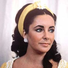 This is how Elizabeth Taylor looked on the day she stood up for Gianni Bozzacchi's wedding in July 1968 - she was Matron of Honor