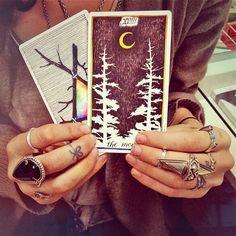 Beautiful tarot.  The Moon, Unknown deck