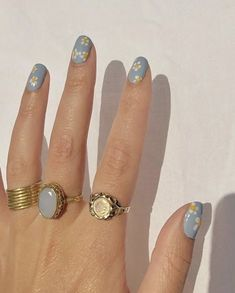 Image about cute in cool nails 💅🏻 by mirai on We Heart It Nagellack Design, Nagellack Trends, Minimalist Nails, Nail Swag, Cute Acrylic Nails, Gel Nails, Coffin Nails, Nail Polish, Nail Jewelry