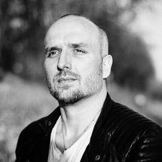 Wenn Fotografen Fotografen fotografieren...  That's me! Shot by @__swentje #portraitphotography #portrait #hannoverstagram #igers_hannover #nikon aber geschossen mit #canon #sigmaart #instamood #portraitlover #focus #goldenhourlight #hannoverfotografie #mittellandkanal #photooftheday #humanportrait
