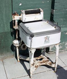 At Big City Coffee, downtown. Antique Washing Machine, Maytag Washing Machine, Washing Machines, Vintage Appliances, Vintage Kitchenware, Kitchen Appliances, Antique Furniture, Home Furniture, Rustic Furniture