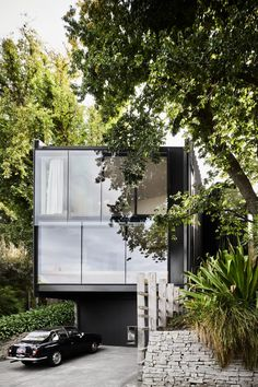 Architect John Wardle has renovated his own house in Australia.