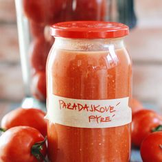 Zavárané paradajkové pyré na zimu pre lenivé gazdinkyjenajpohodlnejšia a najmenej pracná forma, ako možno spracovať veľké množstvo paradajok, na akú som zatiaľ prišla. A tak vám ju posúvam ďalej.…