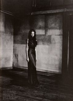 magazine: Vogue Italia September 1998 Couture Supplement editorial: Shakespearian Couture photographer: Paolo Roversi
