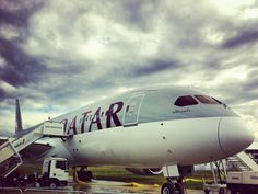Qatar+Airways+Boeing+787+Dreamliner+at+Farnborough+air+show.jpg (1600×1205)