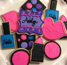 Makeup Spa Party Girls Night Out Sugar Cookies Fancy Cookies, Cute Cookies, Cookies Et Biscuits, Sugar Cookies, Spa Birthday Parties, Birthday Ideas, 11th Birthday, Spa Cake, Girl Spa Party