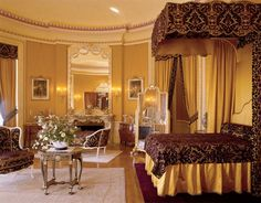 Visit Biltmore - Biltmore House Mrs. Vanderbilt's Oval Bedroom