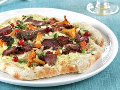 Eltefri pizza med reinsdyrskav, bacon og kantareller Vegetable Pizza, Vegetables, Bacon, Food, Eten, Meals, Pork Belly
