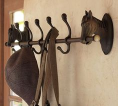 Mud room- Five hooks held by cast-iron horses bring equestrian chic to the task of organizing at home. Each hook is topped with a ball finial to double the storage capacity for hats, coats, leashes and more. Equestrian Decor, Western Decor, Equestrian Style, Country Decor, Equestrian Bedroom, Equestrian Fashion, Country Life, Farmhouse Decor, Pottery Barn Style