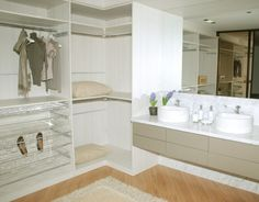 Closets: veja projetos com diferentes tamanhos e divisões - Casa e Decoração - UOL Mulher