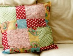 Easy DIY Patchwork PillowHow To