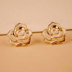 Classy Metallic Gold Tip White Rose Earrings