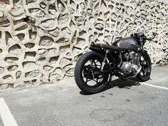 'Zook Cafe Racer http://goodhal.blogspot.com/2013/10/suzuki-gsx400-cafe.html #1987AD #CafeRacer #GSX400 #Motorcycle #Suzuki